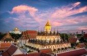 Wat Ratchanaddaram and Loha Prasat Metal Palace — Stock Photo