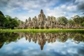 Angkor Wat with reflextion — Stock Photo