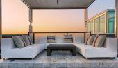 Relax coner on condominium roof top — Stock Photo