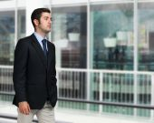 Businessman in an urban environment — Stock Photo