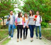 Students going to school — Stock Photo
