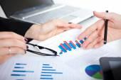 Business people making graph analysis — Stock Photo
