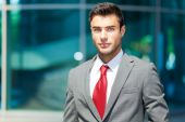Handsome businessman outdoor in city — Stock fotografie