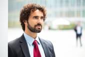Businessman in an urban environment — Photo