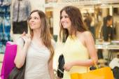 Friends shopping together — Stock Photo