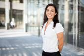 Businesswoman in an urban setting — Stock Photo