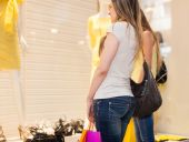Mulheres fazendo compras — Fotografia Stock