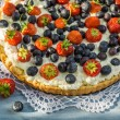 Tart with strawberries and blueberries — Stock Photo #52394485