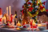 Kerstavond tabel wachten voor gasten — Stockfoto