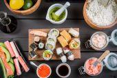 Sushi with fresh ingredients — Stock Photo