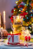Time to sit around a Christmas table — Stock Photo