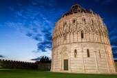 Ancient monuments in Pisa at sunset — Stock fotografie
