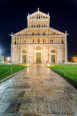 Ancient cathedral in Pisa at night — Stock Photo