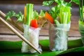 Closeup of spring rolls with vegetables — Stock fotografie