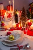Splendidamente setinng tavolo per la vigilia di natale — Foto Stock
