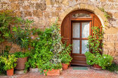 Beautifully decorated porch in Tuscany — Stock Photo