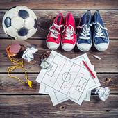 Va a jugar al fútbol en la escuela — Foto de Stock
