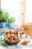 Crispy chicken legs with barbecue sauce — Fotografia Stock