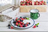 Tasty fruits with yogurt — Stock Photo