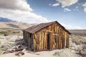 Miner's Shack in Benton Hot Springs — Stock Photo
