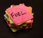 Spending money on fuel — Stockfoto
