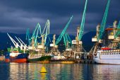 Ships in seaport — Stock Photo