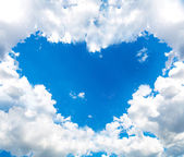 Heart cloud in the blue sky — Stock Photo