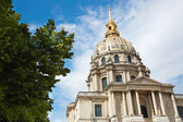 Les Invalides cathedral dome in Paris — Stock Photo