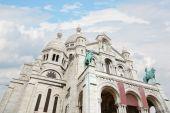 パリのモンマルトルのサクレ ・ クール寺院 — ストック写真