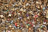 Love padlocks on Pont des Arts in Paris background — Stock Photo