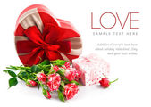 Gift with bunch roses on valentines day — Stock Photo