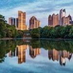 Skyline of downtown Atlanta, Georgia from Piedmont Park — Stock Photo #52544811
