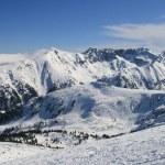 Panorama of winter Pirin mountains. Ski resort, Bansk — Stock Photo #77813772