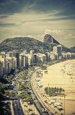 Ünlü Copacabana Plajı Rio de Janeiro, Brezilya için — Stok fotoğraf