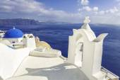 White roofs with chimney in Santorini Island, Greece — Foto de Stock