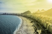 Copacabana Beach in Rio de Janeiro, Brazil — Stock Photo