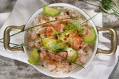 Rice with shrimp and zucchini — Stock Photo