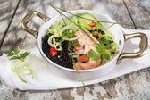 Black and white risotto with shrimp and zucchini — Foto de Stock