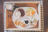Pancake with icecream and fruit — Stock Photo