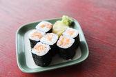 Zalm maki sushi — Stockfoto
