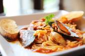 Spaghetti Vongole with clams — Stock Photo