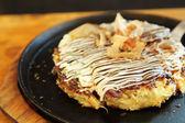 Japanese food okonomiyaki , Japanese pizza — Stock Photo