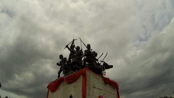 Bangrachan monument — Vidéo
