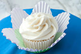 Gourmet Vanilla Cupcake — Stock Photo