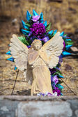 Winged Angel Sculpture on Grave — Stock Photo