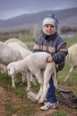 Turkish Shepherd Shows His Strength — Stock Photo