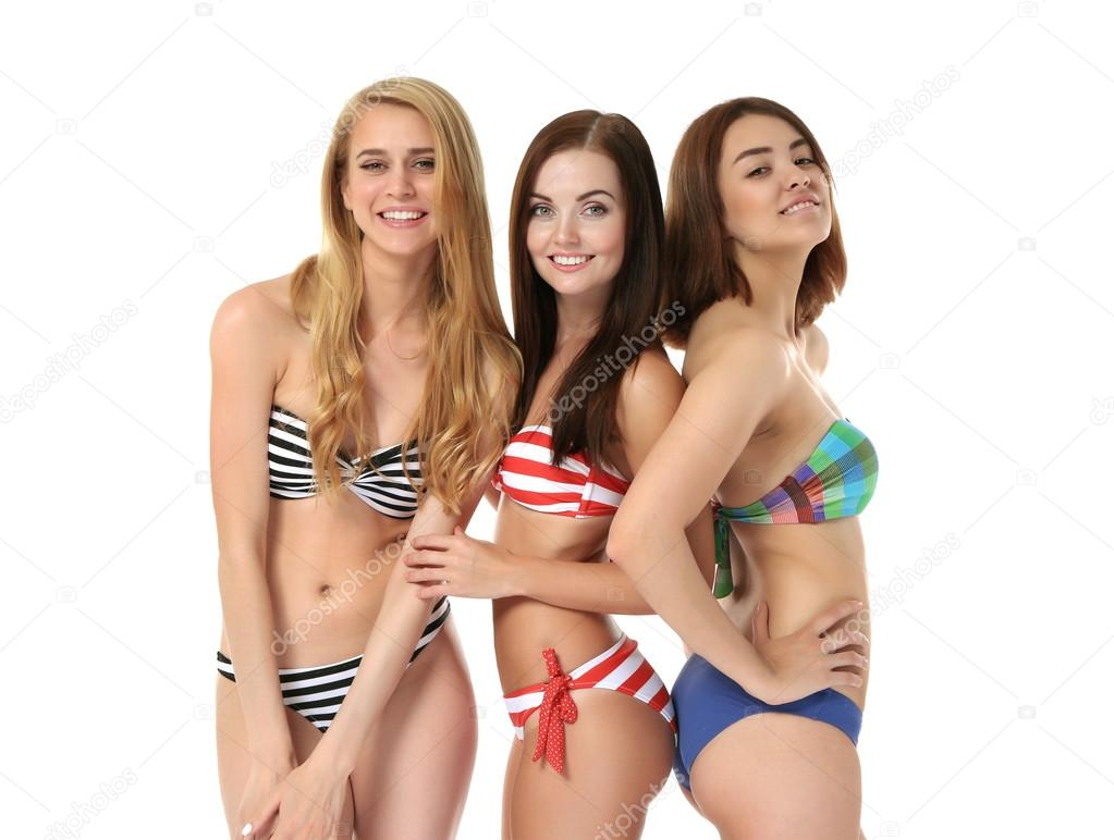 Молодые в купальниках фото 536-948