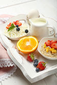 Delicious breakfast on table, close up — Stockfoto