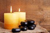 水疗中心的石头与蜡烛 — 图库照片