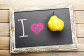 I love pear written on chalkboard, close-up — Stock Photo